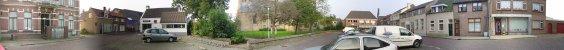 gezicht op de kerk aan de Raadhuissstraat